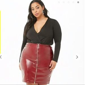 Plus Size Faux Leather Skirt (Burgundy)